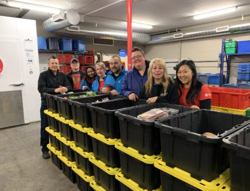 Cascades Casino Kamloops Helps Build Thanksgiving Food Boxes